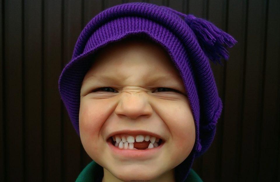 kid,tooth,نگهداری از دندان شیری,دندانهای شیری,دندان بیرون آمده کودک