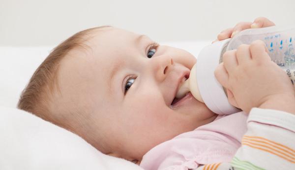 baby,پوسیدگی پیش از موعد دندان کودکان