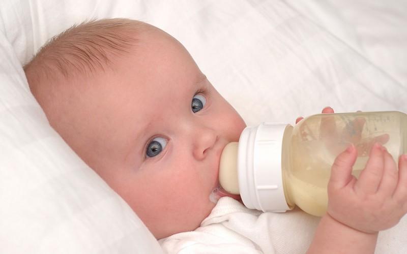 baby,پوسیدگی با شیشه شیر