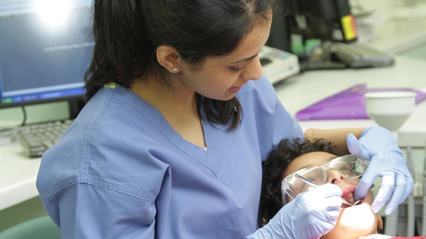 ترس از دندانپزشکی,دندانپزشکی کودک در یزد,رخدادهای کودکی عامل خرابی دندانها در بزرگسالی
